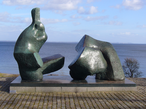 Henry Moore Sculpture by Tolvakonu